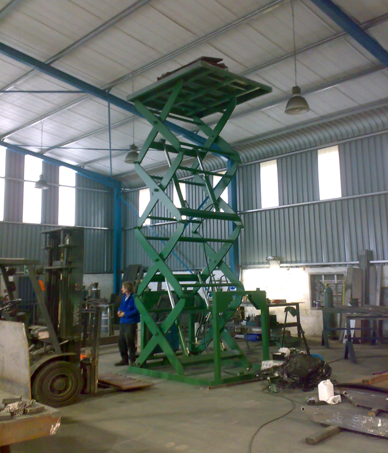 scissor-lift-main-800x935 (1)