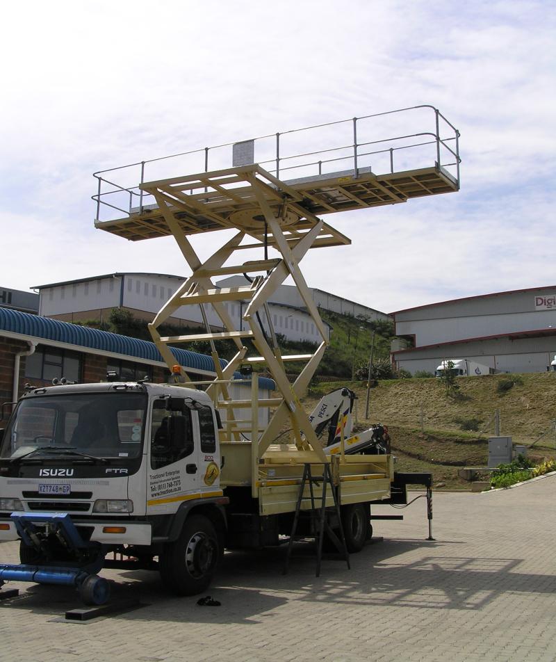 scissor-lift-road-rail-vehicle-800x952 (1)